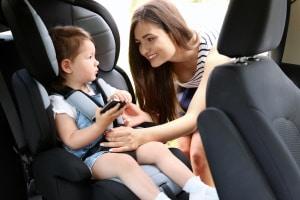 Für mehr Verkehrssicherheit: Ein Kindersitz ist für kleine Mitfahrer Pflicht!