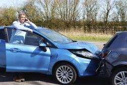 Das Verkehrsunfallrecht befasst sich mit Haftung, Schadensersatz, Schmerzensgeld und Co. nach einem Unfall