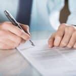 Das Verkehrsvertragsrecht regelt zivilrechtliche Fragen zu Verträgen, die in Zusammenhang mit Kfz stehen.