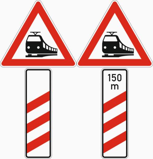 Das VZ 150 mit dreistufiger Bake steht meist 240 m vor dem Bahnübergang.