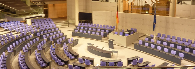 Wahlrecht in Deutschland: Das Volk wählt seine Vertreter in freien, geheimen Wahlen.