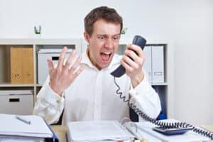 Das Wettbewerbsrecht verbietet im UWG, dass unlauterer Wettbewerb durchgeführt wird, zum Beispiel durch lästige Telefonanrufe bei Verbrauchern