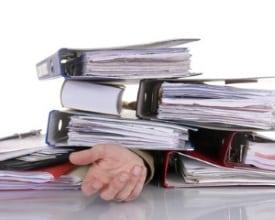 Wie viele Überstunden sind erlaubt? Das Arbeitszeitgesetz gibt die Antwort.