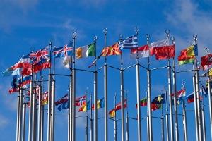 Das globale Wirtschaftsrecht ist durch international gültige Verträge geprägt.